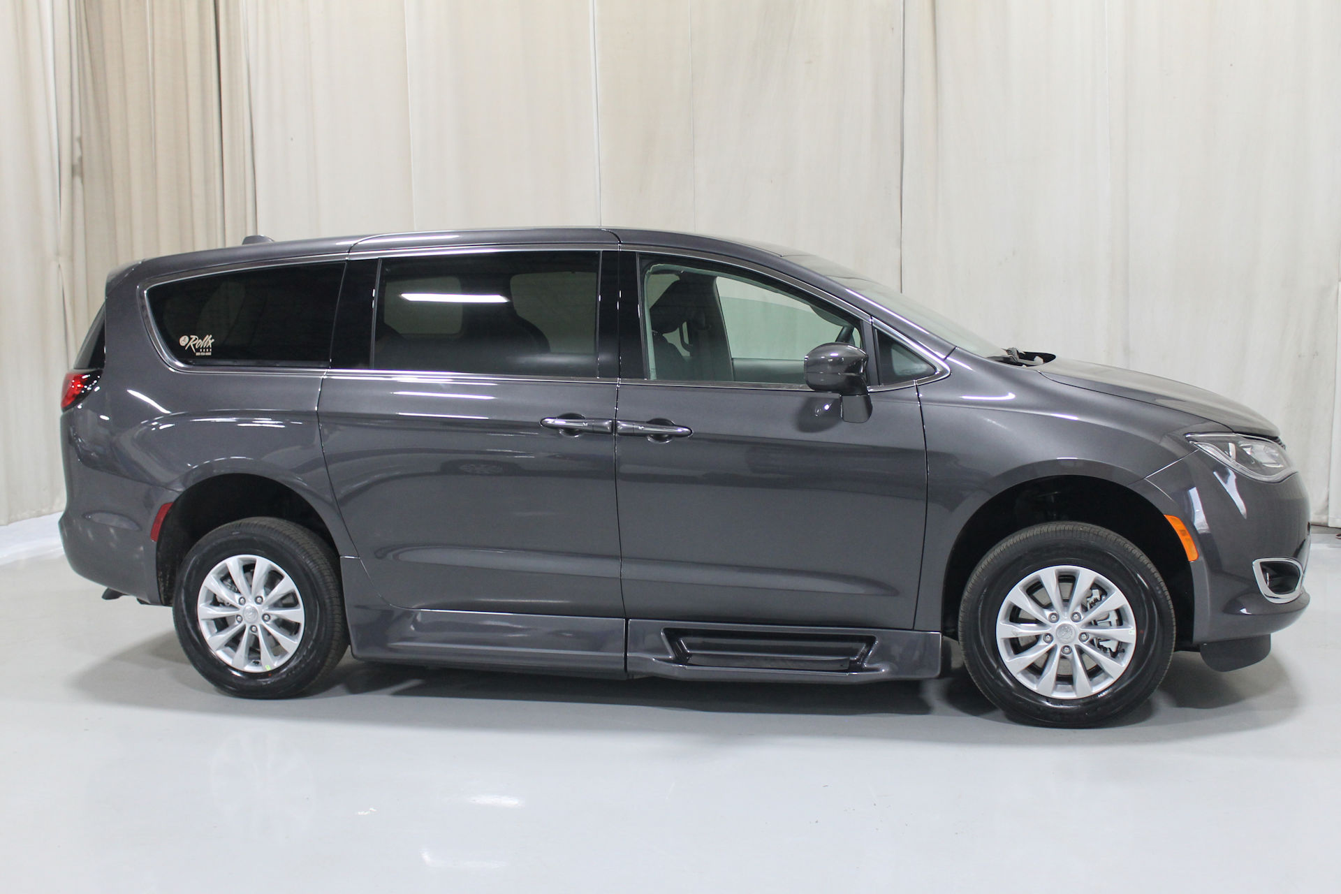 2019 CHRYSLER PACIFICA TOURING +