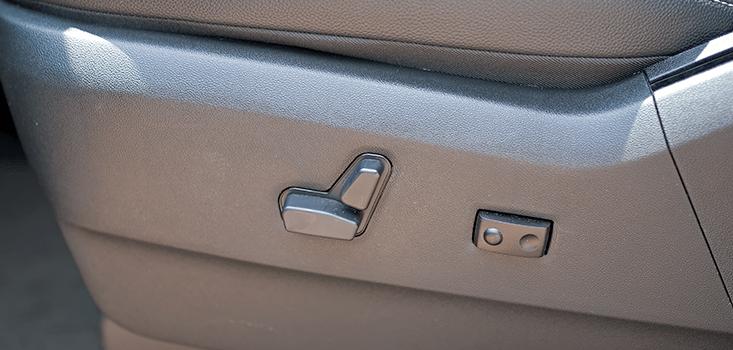 Rollx Vans Dodge Grand Caravan wheelchair van power seat control