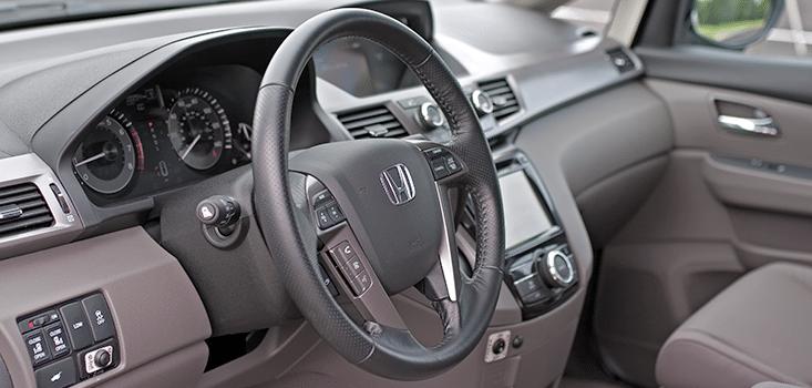 Rollx Vans Honda Odyssey wheelchair van steering