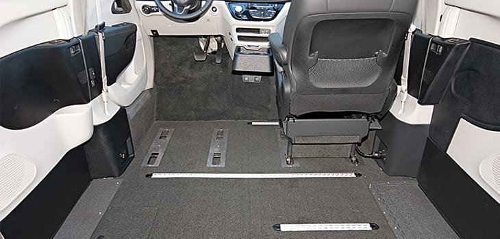 Rollx Vans Chrysler Pacifica Wheelchair van lower floor