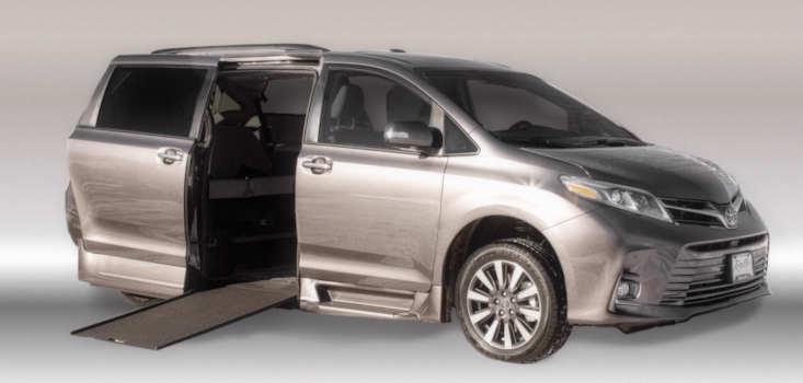 Rollx Vans Toyota Sienna wheelchair van